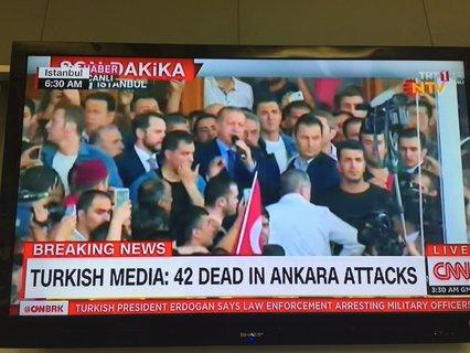 Erdogan spricht in Istanbul vor Anhängern.