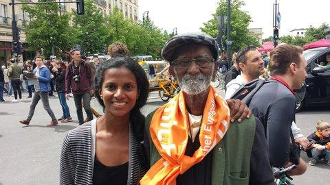 Govinda Raj, 96 Jahre und seine Enkelin Krittika Arvind, 35 Jahre. Foto: Hannes Soltau