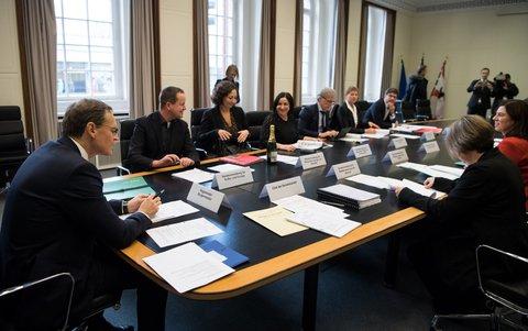Konstituierende Sitzung des neuen Senats in Berlin dpa
