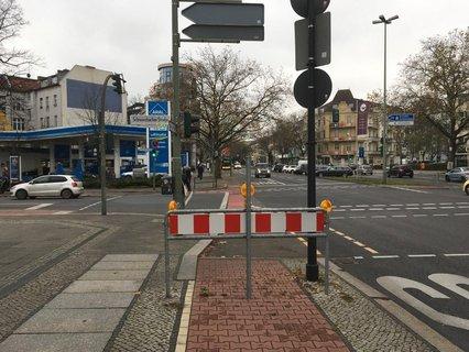 An der Ecke Schwarzbacher Straße ist in Richtung Innenstadt Schluss mit dem Radweg.