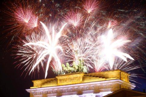 Das Brandenburger Tor erstrahlt