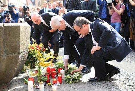 Seehofer und Laschet am Tatort in Münster