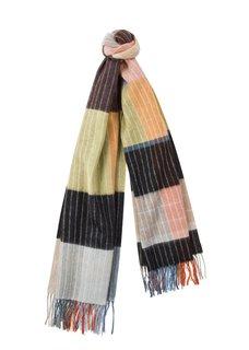 Der Schal ist von Paul Smith