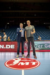 Bei Handball-Bundesligist MT Melsungen, links Manager Axel Geerken