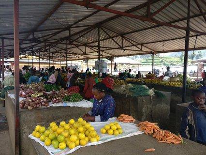 Der Markt ist der Mittelpunkt des Dorfes