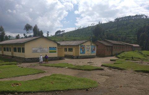Das Schulgebäude wurde noch von den Belgiern errichtet.