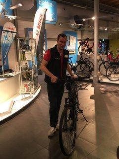 Der Radexperte von Zweirad-Center Stadler erklärt das neue Bremssystem.