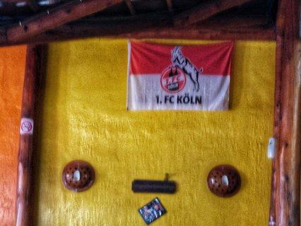 Der 1. FC Köln in Ruanda (coole Sache, aber ich fände eine Eintracht Frankfurt Flagge noch cooler).