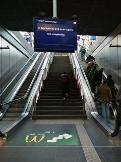Anzeigetafel am Hauptbahnhof.
