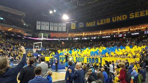 Choreo der Alba-Fans