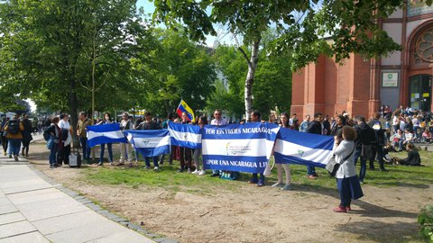 Gegen Ortega: Aktivisten am Lausitzer Platz