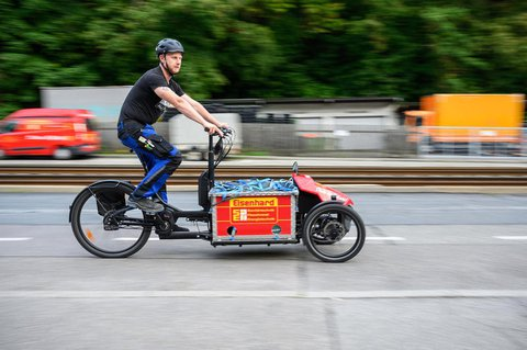 Das Lastenrad des Stuttgarter Heizungsbaumeisters Simon Eisenhard wurde mit 2000 Euro vom Land gefördert.