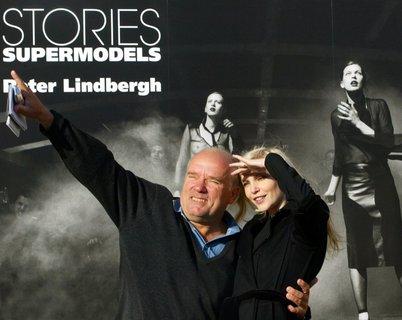 Peter Lindbergh und Model Nadja Auermann 2003