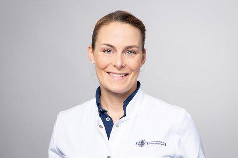 Dr. Christin Siebert ist Fachärztin für Orthopädie und Unfallchirurgie amAthleticum des Universitätsklinikums Hamburg-Eppendorf.