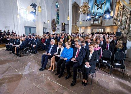 Beim Gottesdienst in Kiel.