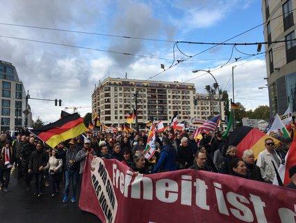 """Demozug von """"Freiheit für Deutschland""""."""