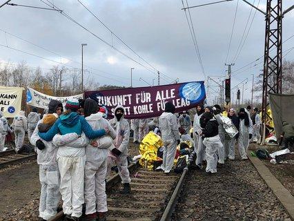"""""""Zukunft für alle statt Kohle für Leag"""", heißt es hier."""