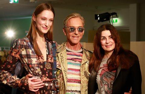 Joop mit Model und Van-Laack-Designerin Christiane Roth