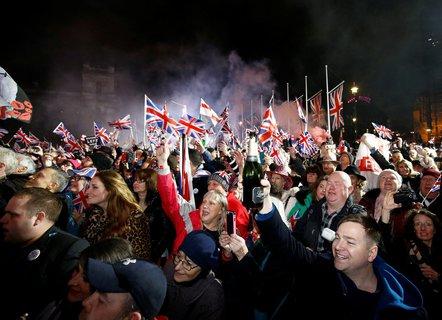 Ausgelassene Stimmung unter den Brexit-Anhängern.