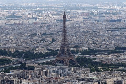 Blick über Paris mit dem Eiffelturm (Archivbild)