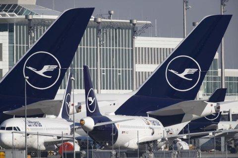 Nichts fliegt mehr. Die Lufthansa verliert in der Coronavirus-Krise viele Euros.