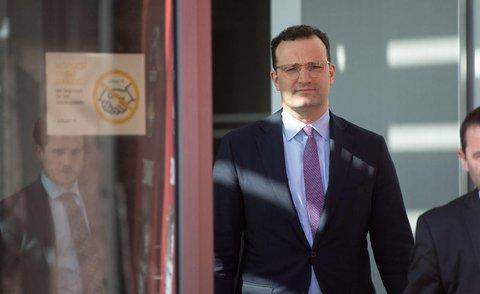 Betrieben, die ausreichend Abstand zwischen den Mitarbeitern garantieren können, stellte Gesundheitsminister Jens Spahn Lockerungen in Aussicht.