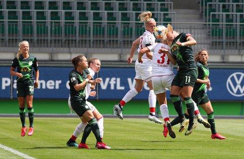 Kopfsache: Wolfsburg hatte gegen Köln die Nase vorn.