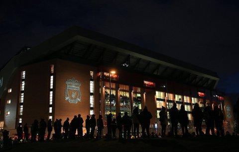 Düstere Aussichten: An der Anfield Road könnten die Lichter in Sachen Meisterschaftsfeier ausgehen.