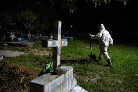 Um die Eindämmung des Coronavirus ist in Brasilien ein Machtkampf zwischen lokalen Behörden und dem Präsident Bolsonaro ausgebrochen - mit fatalen Folgen für die Bevölkerung.