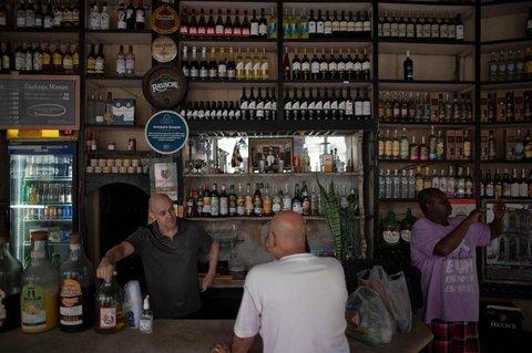 Geöffnete Bar in Rio