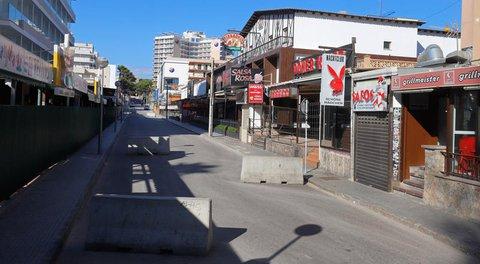 So sah es zuvor aus: Der Bierkönig und die Bars nebenan sind während der Corona-Pandemie geschlossen.
