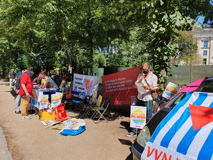 Left-wing demonstrators at the memorial