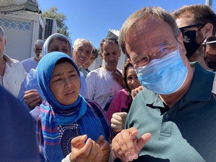 Armin Laschet beim Besuch des Flüchtlingslagers Kara Tepe auf der griechischen Insel Lesbos.
