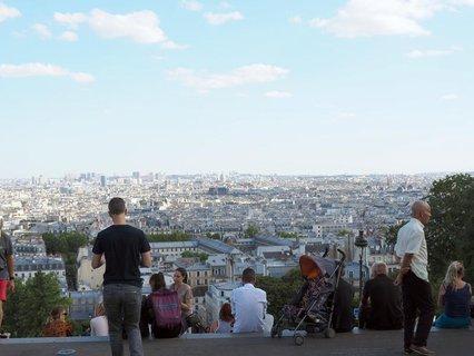 Touristen in Paris.