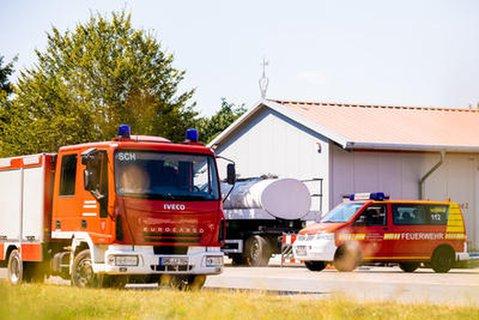 Ein Tankanh?nger des Technischen Hilfswerks in Lauenau