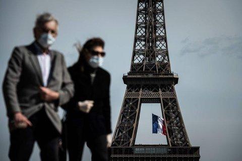 Ab Montag ist die Maske in Paris auch im Freien Pflicht.