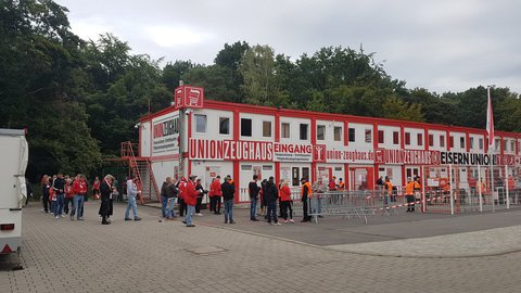 Zuschauer wieder erlaubt: Union-Fans vor dem Spiel gegen Nürnberg.