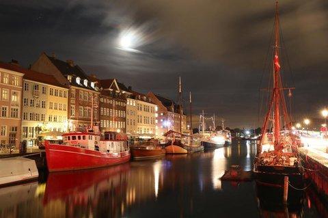Kopenhagen bei Nacht.