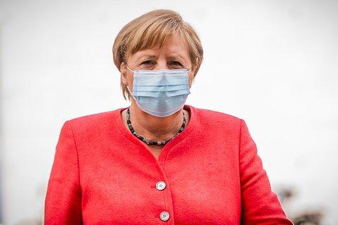 Unterwegs mit Maske: Bundeskanzlerin Angela Merkel