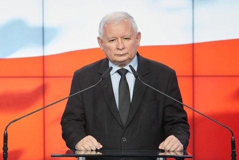 PiS-Chef Kaczynski muss vorerst von zu Hause aus weiterarbeiten.