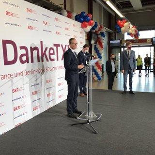 Michael Müller verabschiedet sich von Tegel. Historischer Tag, ein Flughafen mit besonderer Architektur und Atmosphäre.