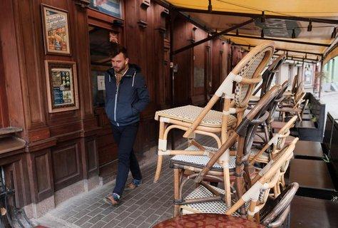 Lockdown in Riga: Ein geschlossenes Lokal