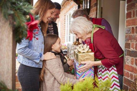 Für viele Tradition: Der Weihnachtsbesuch bei Großeltern.