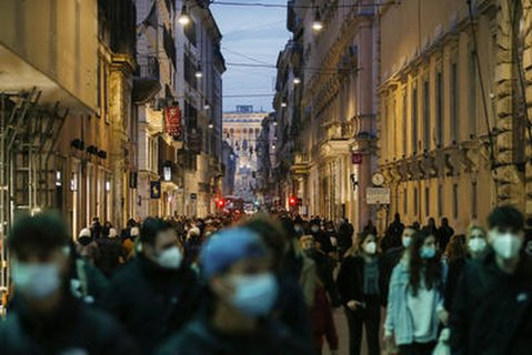 Italien zählte Stand Dienstagabend mehr als 780.000 aktive Fälle mit dem Coronavirus.