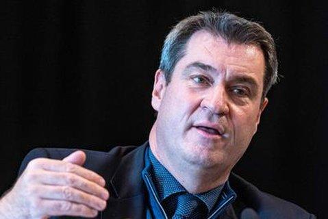 Doch keine Lockerungen an Silvester? Bayerns Ministerpräsident Markus Söder (CSU) erwägt doch noch strengere Kontaktbeschränkungen um den Jahreswechsel.