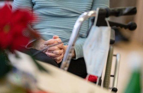 Coronavirus-Pandemie - RKI-Chef mahnt Kontaktreduzierung auf ein Minimum an