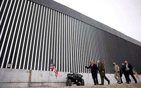 Trump besuchte am Dienstag die Grenzmauer zu Mexiko in Alamo, Texas.