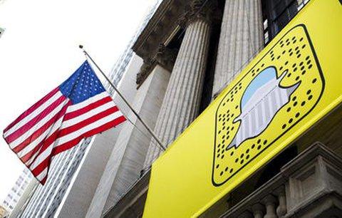 Plakat mit Snapchat-Logo an der New Yorker Börse.