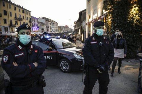Italien verschärft und verlängert Lockdownmaßnahmen.