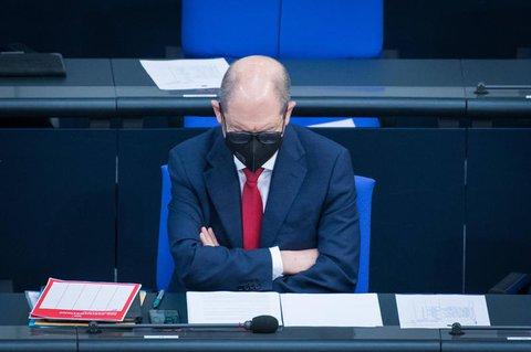 Olaf Scholz ging bei seinen Haushaltsberechnungen von einem kürzeren Lockdown aus.